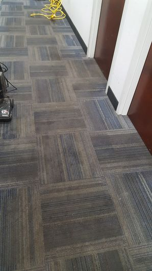 Before & After Commercial Carpet Cleaning in Marietta, GA (3)